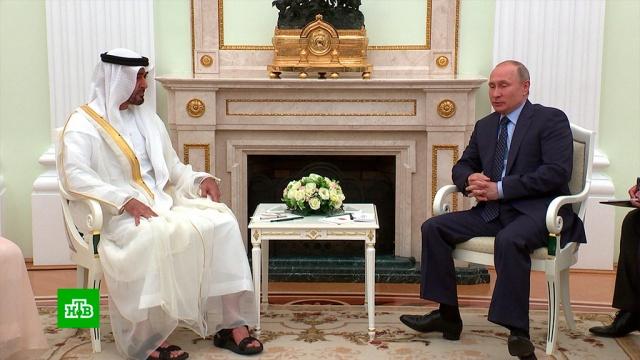 Путин инаследный принц Абу-Даби подписали декларацию осотрудничестве.ОАЭ, Путин, монархи и августейшие особы, переговоры.НТВ.Ru: новости, видео, программы телеканала НТВ