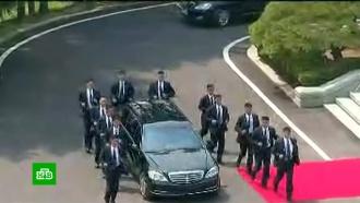 Авто сбиотуалетом иномер смишками: как Ким Чен Ын готовится квстрече сТрампом