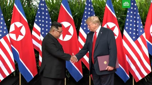 Трамп пытался применить кКим Чен Ыну фирменное рукопожатие.ЗаМинуту, Трамп Дональд, Ким Чен Ын.НТВ.Ru: новости, видео, программы телеканала НТВ