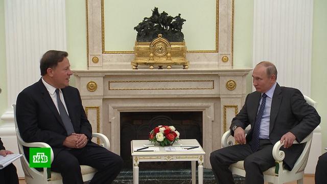 Путин встретился с прибывшими на ЧМ-2018 главами иностранных государств.Панама, Парагвай, Путин, подарки.НТВ.Ru: новости, видео, программы телеканала НТВ