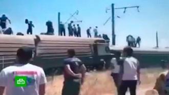 Названа причина схода пассажирского поезда срельсов вКазахстане