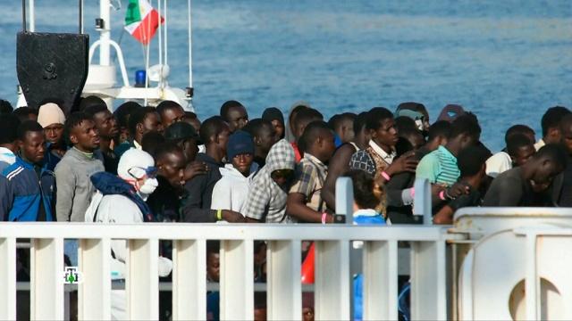 Миграционный кризис в ЕС: европейцы больше не рады «гостям фрау Меркель».беженцы, Германия, Европейский союз, Италия, Меркель, мигранты.НТВ.Ru: новости, видео, программы телеканала НТВ