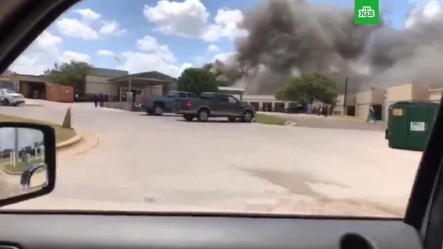 СМИ: в Техасе при взрыве у больницы пострадали 12 человек, один погиб.США, больницы, взрывы.НТВ.Ru: новости, видео, программы телеканала НТВ