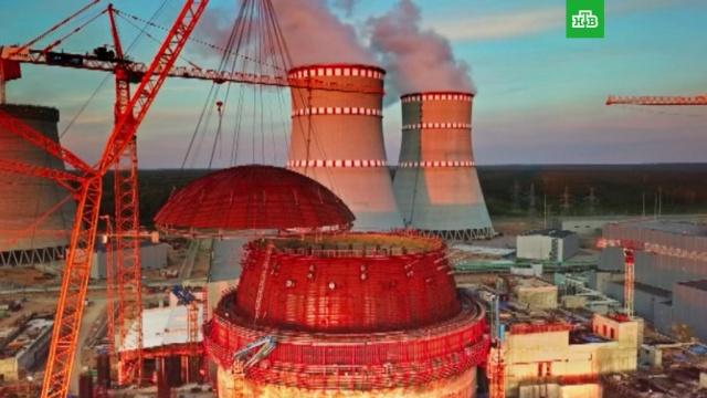 На реактор ЛАЭС-2 надели гигантский защитный купол.ЛАЭС, Ленинградская область, атомная энергетика, строительство.НТВ.Ru: новости, видео, программы телеканала НТВ