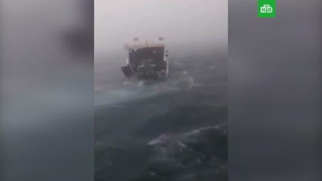 Спасение пассажиров затонувших в Таиланде катеров сняли на видео.несчастные случаи, поисковые операции, Таиланд, туризм и путешествия.НТВ.Ru: новости, видео, программы телеканала НТВ