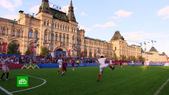 Футбол устен Кремля: на Красной площади прошел «Матч— премьер».артисты, благотворительность, знаменитости, футбол.НТВ.Ru: новости, видео, программы телеканала НТВ