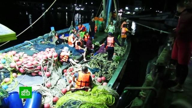 Два туристических судна перевернулись неподалеку от острова Пхукет.Таиланд, несчастные случаи, поисковые операции, туризм и путешествия.НТВ.Ru: новости, видео, программы телеканала НТВ