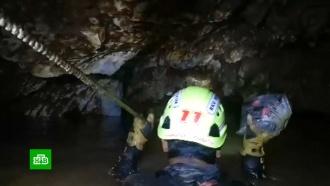 Четверо спасенных из пещеры вТаиланде детей доставлены вбольницу