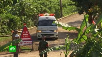 Более половины детей выведены из затопленной пещеры вТаиланде