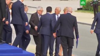 Главу Еврокомиссии на саммите НАТО пришлось вести под руки