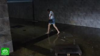 Петербургскому метрополитену помогли откачать воду из затопленного канализацией перехода