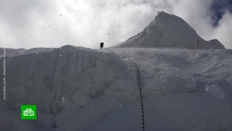 Первую группу альпинистов эвакуировали сместа жесткой посадки вертолета вТаджикистане