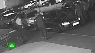 Избиение водителя агрессивными борцами в Петрозаводске сняла камера наблюдения