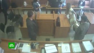 Российских адвокатов предложили штрафовать за отсутствие костюма