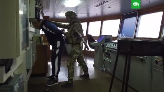 Российские военные отработали бой спиратами вСредиземном море.Минобороны РФ, НАТО, армия и флот РФ, учения.НТВ.Ru: новости, видео, программы телеканала НТВ