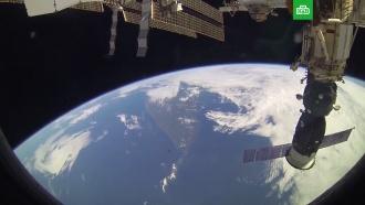 В РКК «Энергия» назвали фейком сообщение о новой дырке в обшивке «Союза».МКС, Роскосмос, космос.НТВ.Ru: новости, видео, программы телеканала НТВ