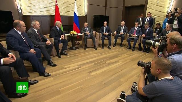 Путин призвал Лукашенко «сверить часы» по спорным вопросам.Белоруссия, Лукашенко, Путин, переговоры.НТВ.Ru: новости, видео, программы телеканала НТВ