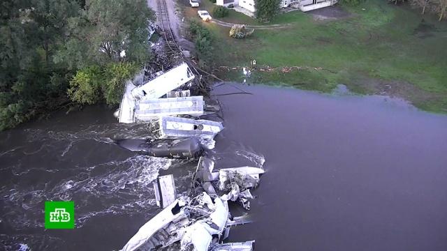 ВСША после обрушения моста вреку упал грузовой поезд.США, железные дороги, мосты, поезда.НТВ.Ru: новости, видео, программы телеканала НТВ