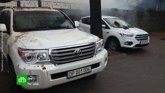 Автомобили российских дипломатов вКиеве облили нечистотами