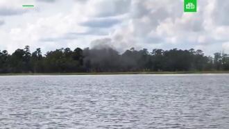 Видео с&nbsp;места крушения истребителя <nobr>F-35B</nobr> в&nbsp;Южной Каролине