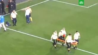 Фанаты упали стрибуны во время футбольного матча вИспании