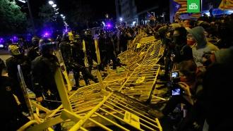 В Барселоне в годовщину референдума о независимости Каталонии произошли беспорядки.Испания, Каталония, беспорядки, митинги и протесты, полиция.НТВ.Ru: новости, видео, программы телеканала НТВ