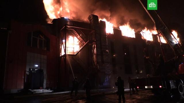 В Иркутске локализован крупный пожар в мебельном гипермаркете.Иркутск, МЧС, магазины, пожары.НТВ.Ru: новости, видео, программы телеканала НТВ