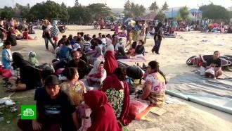 После землетрясения вИндонезии под завалами остаются 152тысячи человек