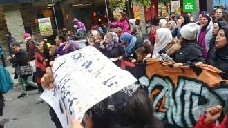 В Монреале тысячи женщин в хиджабах вышли на акцию протеста