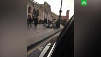 Питерский мажор разбросал на Невском 50 тысяч рублей: видео