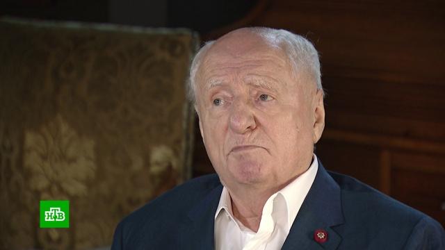 Худрук «Ленкома» Марк Захаров отмечает 85-летие.артисты, знаменитости, кино, Ленком, театр, юбилеи.НТВ.Ru: новости, видео, программы телеканала НТВ