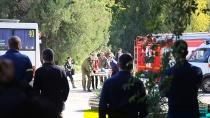 «Стреляли 15 минут»: очевидец рассказал о ЧП в керченском колледже.Стрельба после взрыва в Керченском политехническом колледже продолжалась примерно 15 минут, об этом рассказал очевидец происшествия.взрывы, Крым, Песков, Следственный комитет, стрельба.НТВ.Ru: новости, видео, программы телеканала НТВ