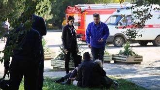 Массовое убийство в Керчи: хроника трагедии.Около полудня в политехническом колледже в Керчи прогремел сильный взрыв. Все произошло во время обеденного перерыва в столовой, в здании в этот момент было много учащихся.взрывы, Крым, стрельба.НТВ.Ru: новости, видео, программы телеканала НТВ