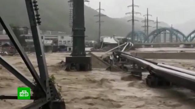 Число погибших при наводнении на Кубани возросло до шести человек.Краснодарский край, железные дороги, наводнения, поезда.НТВ.Ru: новости, видео, программы телеканала НТВ