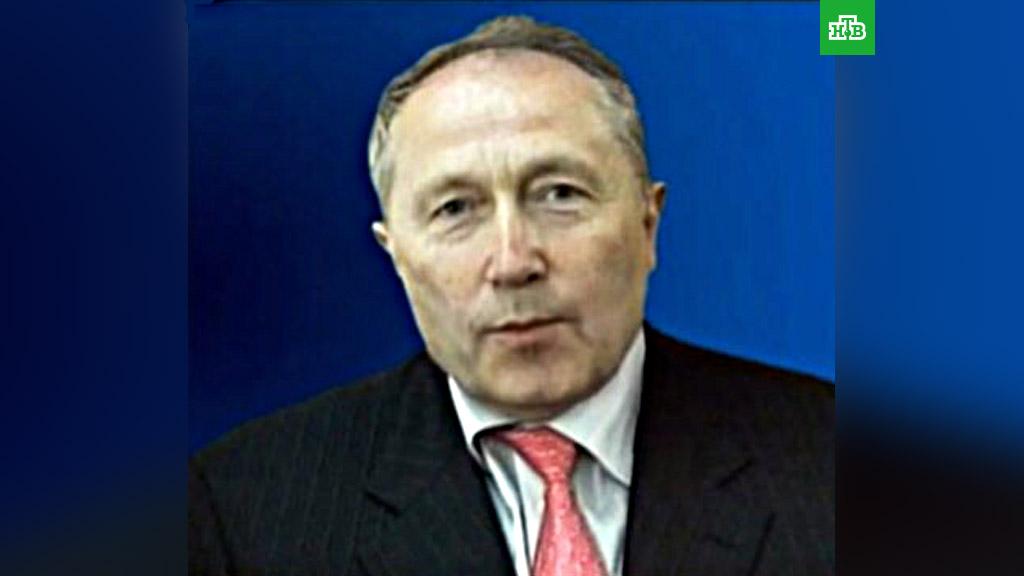 Картинки по запросу Олег Бурлаков, который входит в список богатейших бизнесменов России