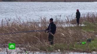 Госдума передумала вводить именные разрешения для рыбаков
