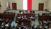 Зачем Латвии нужен антироссийский «долговой балаган»