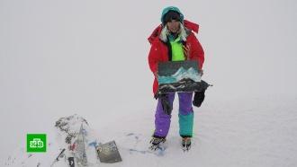 Художница-экстремалка рассказала, как написала картину на вершине Эльбруса
