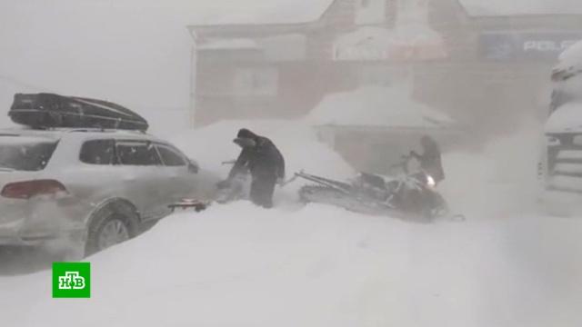 Счет идет на часы: поиск пропавших в Хакасии экстремалов осложняет снежная буря.Хакасия, метель, поисковые операции, туризм и путешествия, экстремальные виды спорта.НТВ.Ru: новости, видео, программы телеканала НТВ
