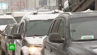 Москва встала в рекордных пробках из-за снегопада