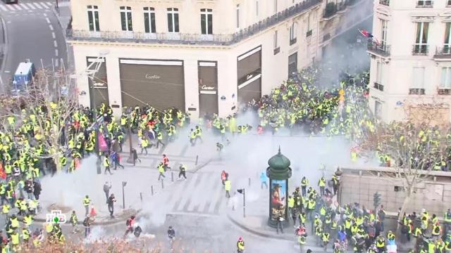Такого Франция не видела полвека: «желтые жилеты» заговорили о создании новой республики.Макрон, Франция, беспорядки, митинги и протесты.НТВ.Ru: новости, видео, программы телеканала НТВ