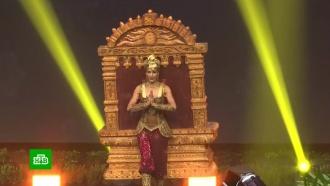 Участницы конкурса «Мисс Вселенная» вышли на сцену вбезумных нарядах