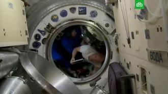 ЦУП: экипаж <nobr>57-й</nobr> экспедиции на МКС перешел на &laquo;Союз&raquo; и&nbsp;задраил люки