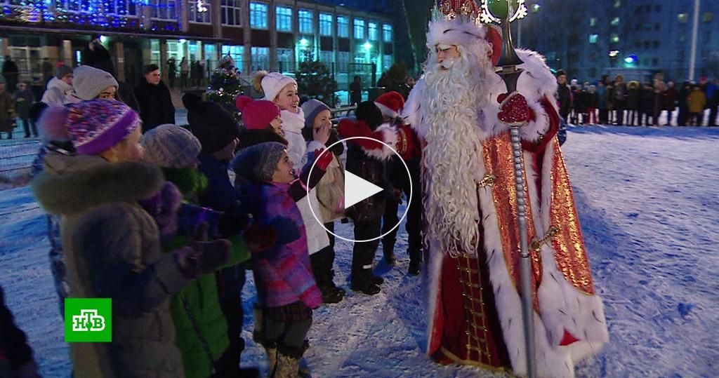 Звезды НТВ иДед Мороз исполнили желания маленьких петербуржцев