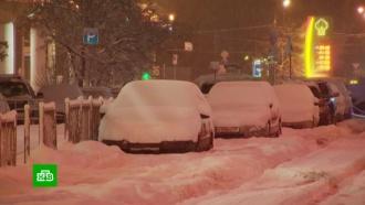 Снегопад ипредновогодняя суета осложнили ситуацию на дорогах Москвы