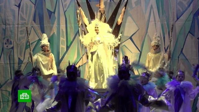 Дети из прифронтовых районов побывали на новогодней елке вДонецке.Донецк, Новый год, Украина, торжества и праздники.НТВ.Ru: новости, видео, программы телеканала НТВ