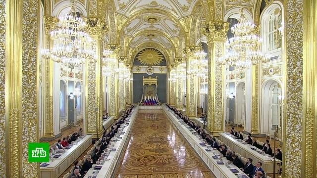 Путин одобрил идею привлечь чиновников кволонтерской работе.Путин, благотворительность, волонтеры, хосписы.НТВ.Ru: новости, видео, программы телеканала НТВ