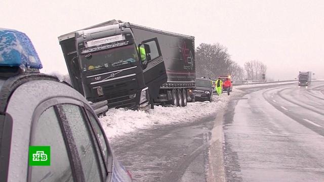 Мощные снегопады вЕвропе привели кжертвам.Австрия, автомобили, Германия, погода, Греция, морозы, самолеты, снег.НТВ.Ru: новости, видео, программы телеканала НТВ