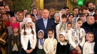Путин встретил Рождество в&nbsp;<nobr>Спасо-Преображенском</nobr> соборе Петербурга