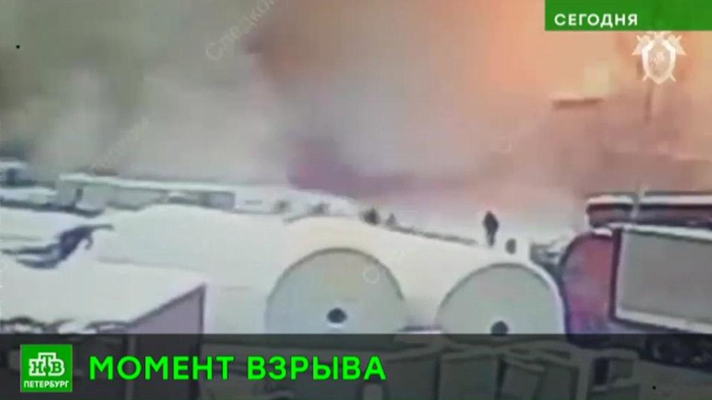 Момент взрыва на химзаводе в Ленобласти зафиксировали камеры наблюдения: видео.Ленинградская область, Следственный комитет, взрывы, заводы и фабрики, пожары.НТВ.Ru: новости, видео, программы телеканала НТВ